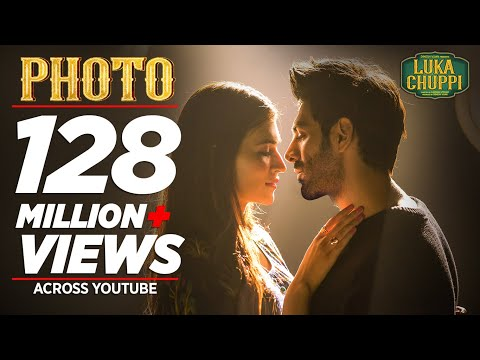 Xxx Mp4 Luka Chuppi Photo Song Kartik Aaryan Kriti Sanon Karan S Goldboy Tanishk Bagchi Nirmaan 3gp Sex