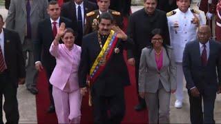 Maduro ofrece la mano a Trump, pero advierte uso de las armas