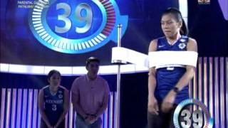 Ateneo spiker falls in 'Minute To Win It'
