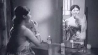 60s Old Bangla Song: Kinikini Kongkono Baje Go