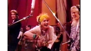 """Funny 80's Cyndi Lauper moment, rehearsing """"We are the World""""  (rare)"""