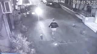 خطير - محاولة سرقة سيارة من صاحبها و هو جالس بها مع ذويه في المنصورة