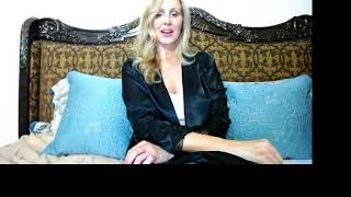 Women By Julia Ann Live Stream