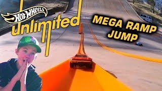 TANNER FOX 37MPH HOT WHEELS MEGA RAMP  | Hot Wheels Unlimited | Hot Wheels