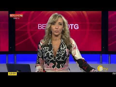 Simona Befani, scollatura e cosce di qualità