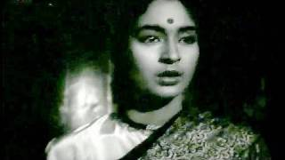 Nutan pacifies Dev Anand- Manzil Emotional Scene 9/9