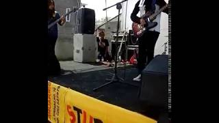 Teen Hijab rock band cover Sugar(System of a Down)