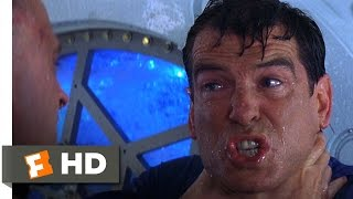 The World Is Not Enough (10/10) Movie CLIP - She's Waiting For You (1999) HD