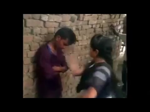Xxx Mp4 Allahabad Girl Trashes Eve Teaser With Sandal Viral Video 3gp Sex