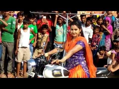 Xxx Mp4 काजल राघवानी बाईक चलाते हुवे Kajal Raghwani YouTube 3gp Sex