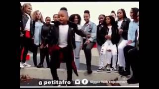 Niña Bailando Africano. Baila Muy Bien...