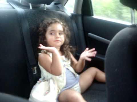 Sofia dançando Michael Jackson