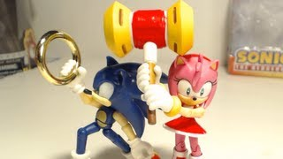 Figure Reviews: Amy with Hammer and Sonic with Rings -- Jazwares