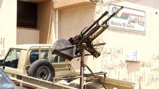 Milicianos querem derrubar primeiro-ministro líbio