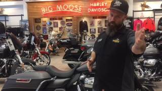 2017 Harley-Davidson Ultra Limited with a detachable tour pack
