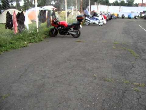 Zlot motocyklowy im.Hubala w Jaśle 2011 - prezentacja motocykli na kortach