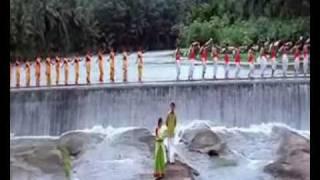 Nee Varuvai Ena - Athi Kalayil Music Video by Ajith, Devayani.mp4