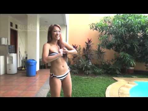 Sst Jenny Cortez Berenang. Intip Yuk