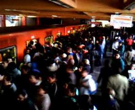 Metro de la Cd. de México · Estación Rosario