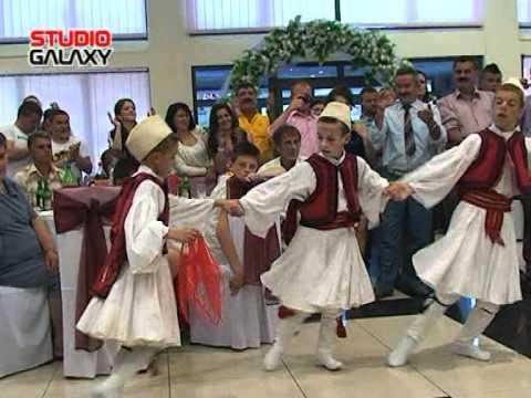 Vallja Devollice e Fëmijve. Bilisht