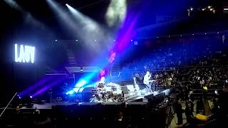 Lauv - I Like Me Better (Live in Singapore Indoor Stadium) [Divide Tour Opening Act]