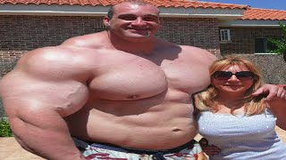 Top 15 Biggest Body Builders In The World