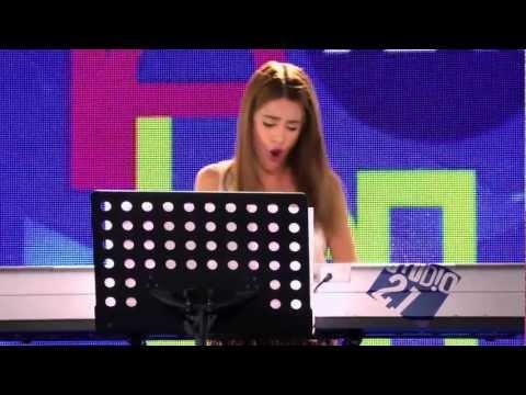Violetta Momento musical Violetta canta ¨Junto a ti