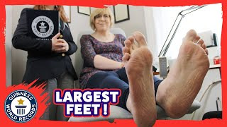 Largest female feet - Meet the Record Breakers