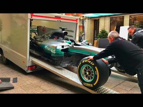 This is how you deliver Lewis Hamilton s F1 car into central London for Autosport Awards 2017