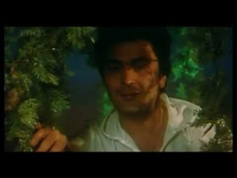 Dimple Kapadia in Saagar (1985)