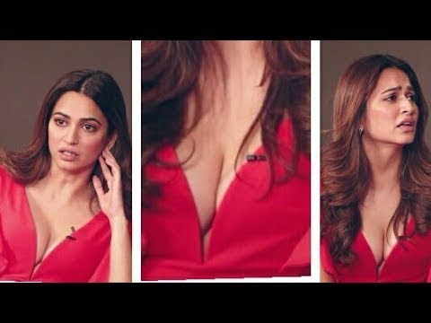Xxx Mp4 KRITI KHARBANDA HOT CLEAVAGE SHOW 3gp Sex