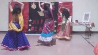 BB-Diwali 2013: Kashmir Main Tu Kanyakumari and Dola Re Dola