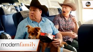 Mitch and Cam are Lost at the Airport - Modern Family 8x18