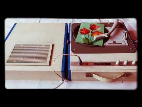Gramofon Fonica Bambino 2 data produkcji 25 Czerwiec 1970 Zakochani są sami na świecie