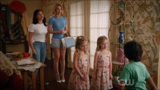 Jane the virgin - Twins and Mateo about santa claus