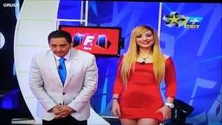 Jazmin en Vestido Rojo