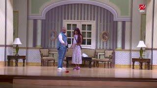مسرح مصر - على طريقة ياسمين رئيس حمدي الميرغني يقدم في مسابقة ملكة جمال مصر