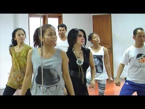 Syahrini Latihan Dance Untuk Konser Di Singapura Intens 2 Oktober 2013