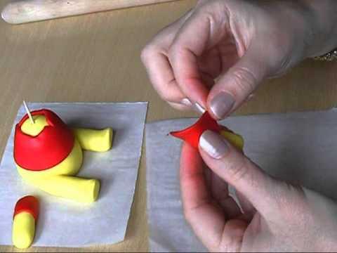 Winnie the Pooh fondant tutorial.wmv