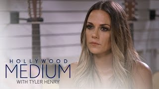 Jana Kramer's Reading Goes in a Different Direction | Hollywood Medium with Tyler Henry | E!