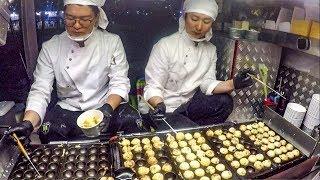 Korea Street Food. Great Skills Making 'Takoyaki' Octopus Balls. Bamdokkaebi Night Market, Seoul
