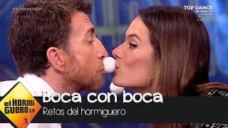Pablo Motos y Alessandra Ambrosio, boca con boca - El Hormiguero 3.0