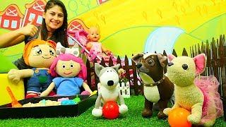 #Çocukoyunları. Ayşe, Lili, Loli ve bebek Gül süslenip Smarta'ya gidiyorlar. #Kumoyunları!