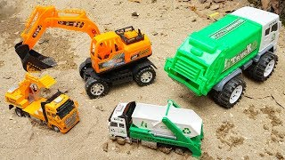 Animals Transporter Truck Kidnaps Baby Excavator & Garbage Truck Rescued by Police Car Toy for Kids