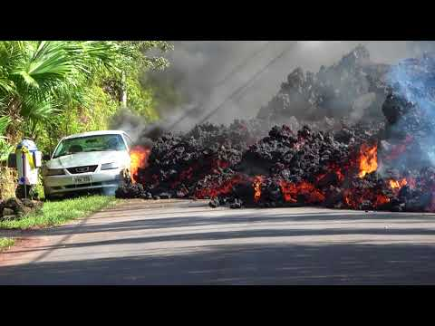 Metal Fence Can t Stop Lava from Hawaii s Kilauea Volcano
