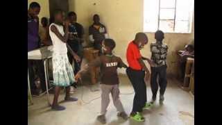 Funny Kenyan Dance
