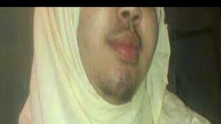 Yaab: Gabar Soomaali oo isku badashay Wiil.