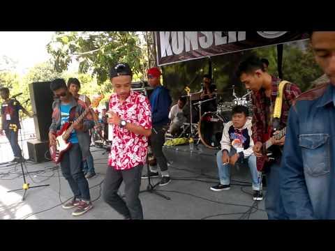 kudus Flowing Down _ Unity Live in Waterboom Mulia Kudus