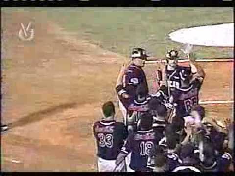 Josh Kroeger conecta HR ante el Magallanes