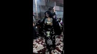 Beautiful Dance on dil ka kya krin sahib.on a wedding ceremony